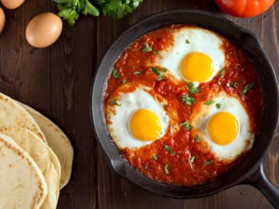 Stufi delle solite ricette? Prepariamo le uova alla piemontese!