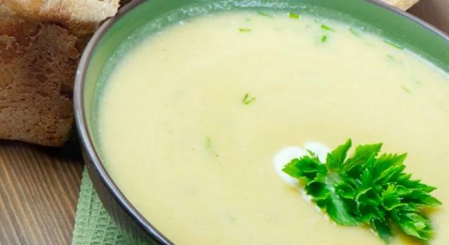 Vellutata di porri: un piatto caldo, invitante e delizioso