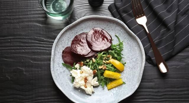 Barbabietole agrodolci in insalata: un piatto naturale e genuino