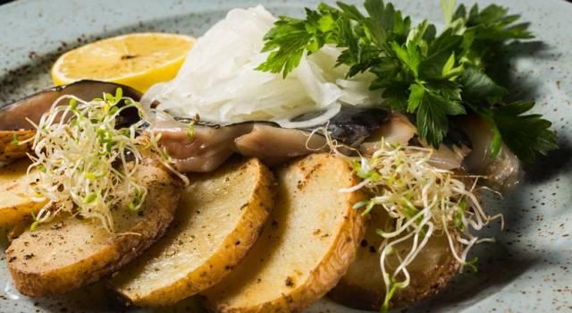 Filetti di sardine al forno con patate: la ricetta sfiziosa!