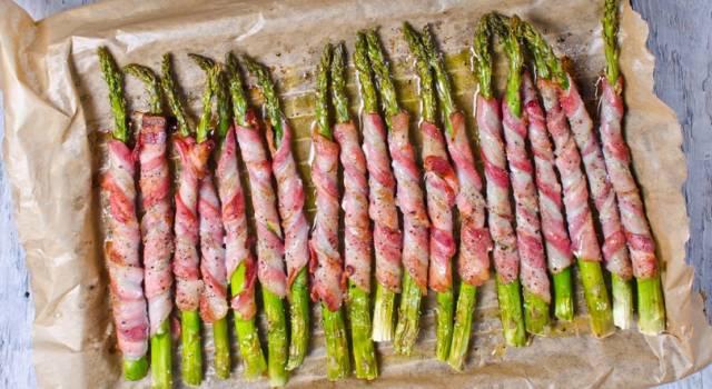 Asparagi al forno con bacon: un antipasto facile e veloce!