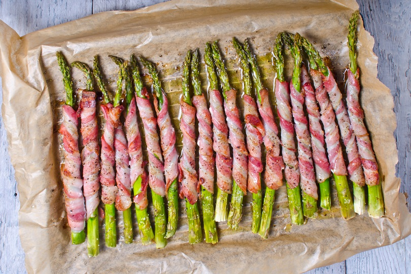 Asparagi al bacon