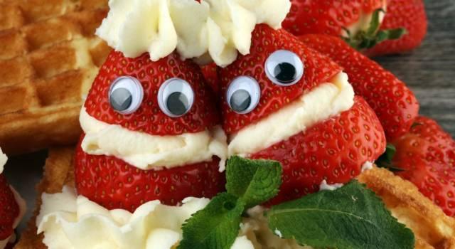 Simpatico Babbo Natale di fragole e panna: un'idea facile e veloce!