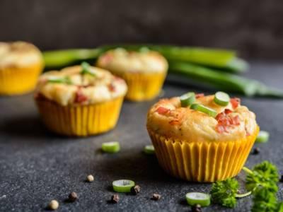 Muffin light salati con albumi e prosciutto cotto: una ricetta facilissima!