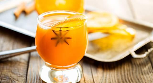 Brindiamo al Natale con un punch analcolico all'arancia!