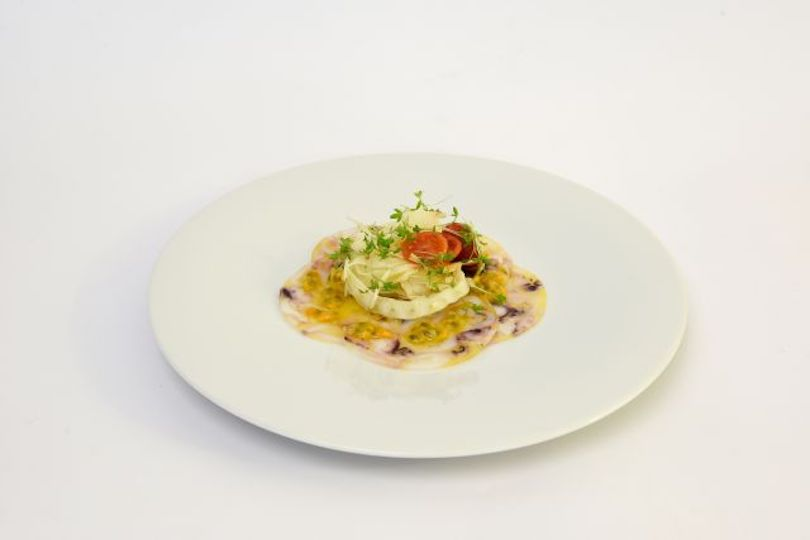 carpaccio di seppie e passion fruit