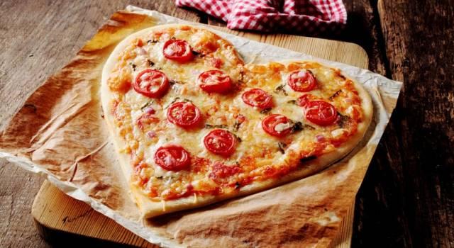 Come si fa la pizza a forma di cuore: un'idea sfiziosa e divertente!