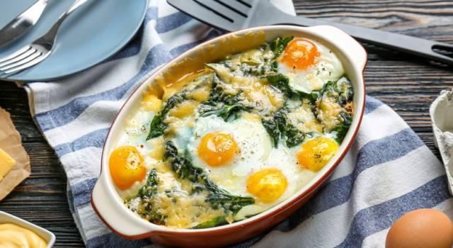Nidi di spinaci al forno con uova: che buon piatto unico!