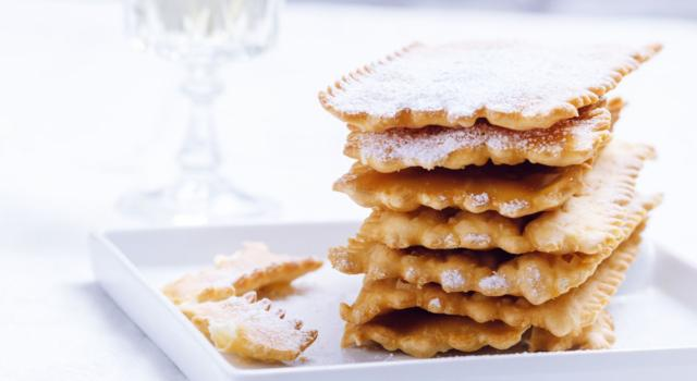 Chiacchiere al forno: la ricetta di Carnevale (anche con il Bimby)