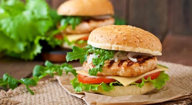 Come preparare l'hamburger di pollo? La ricetta senza glutine