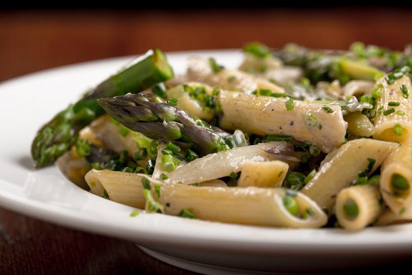Pasta integrale con asparagi
