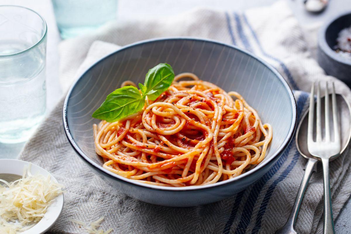 Pasta con pomodorini cotti in forno