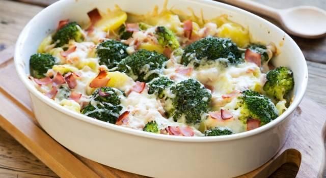 Patate e broccoli gratinati con la besciamella