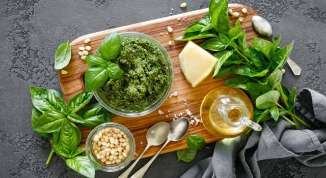 Come fare il pesto alla genovese: la deliziosa salsa della tradizione italiana!