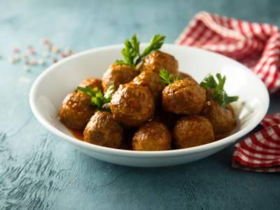 Polpette di quinoa e cavolo nero: un piatto vegano al profumo di limone