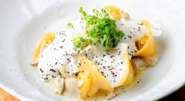 Ravioli di zucca con fonduta di formaggio: un primo piatto buonissimo!