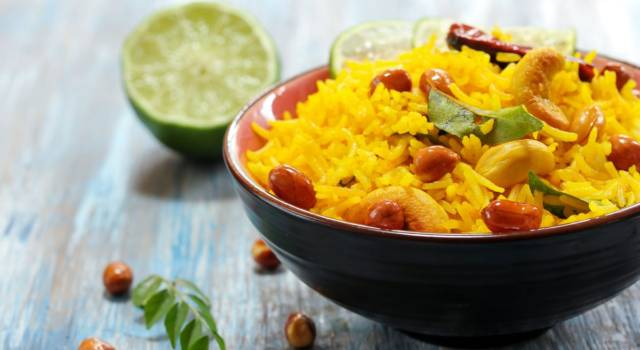 Come fare il riso al curry, un piatto gustoso che profuma d'Oriente!