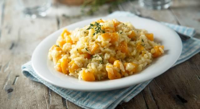 Il risotto zucca e taleggio è super cremoso (e senza glutine)
