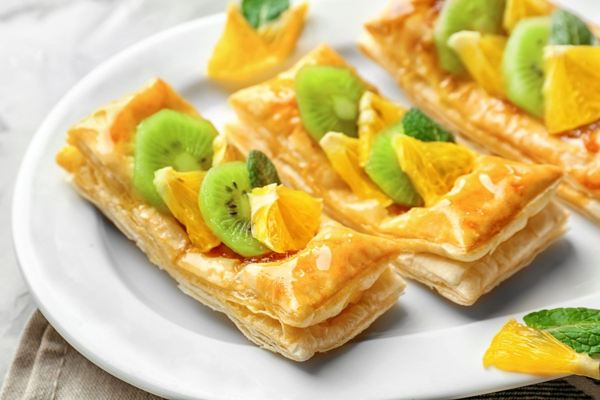 pasta sfoglia con frutta fresca