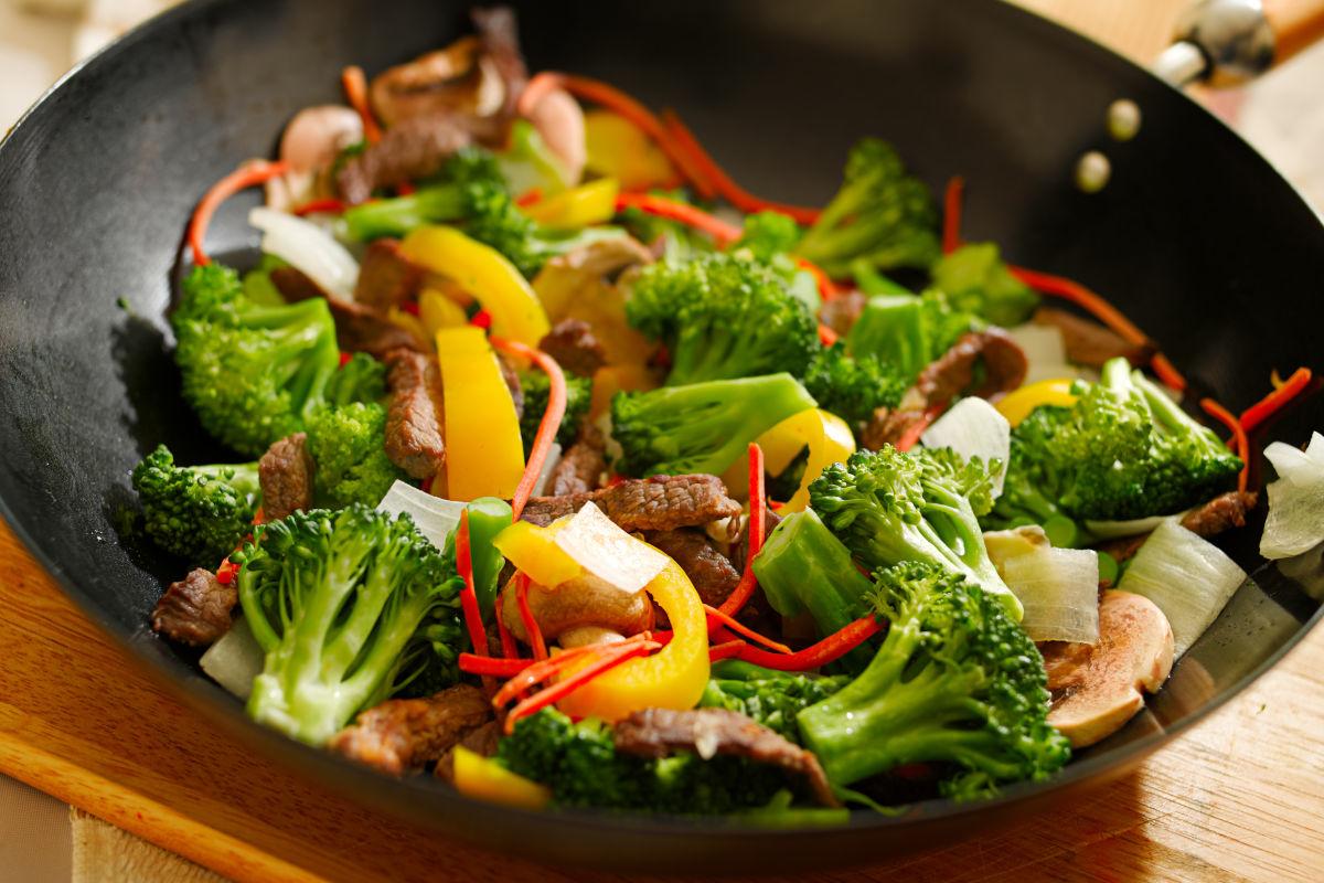 Spezzatino con funghi e broccoli