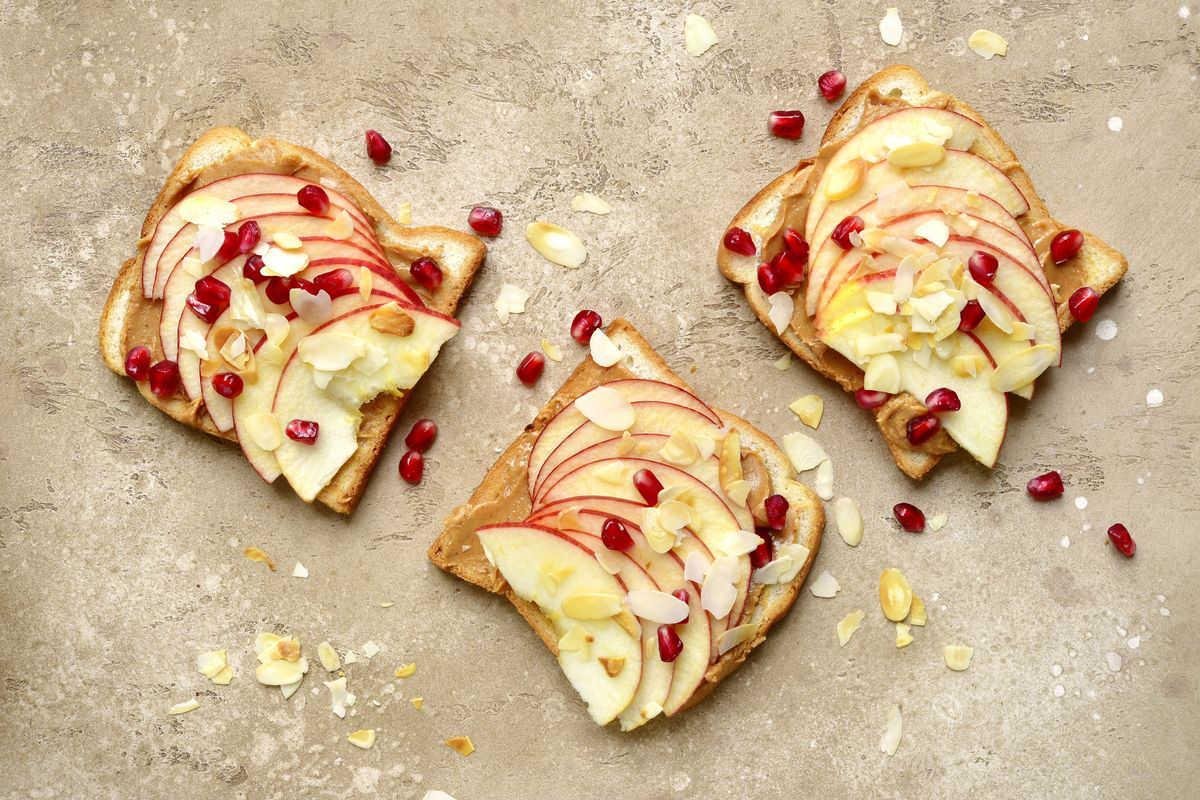 Toast al burro di arachidi