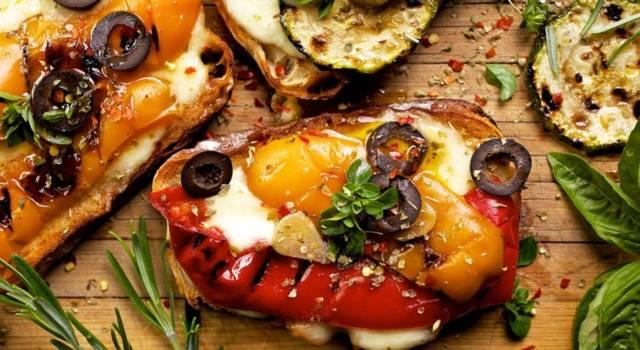 Verdure grigliate al forno con mozzarella: che buono questo contorno!