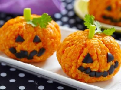 Scenografiche zucche di riso per Halloween: che idea originale!