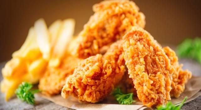 Croccantissime alette di pollo fritto all'americana