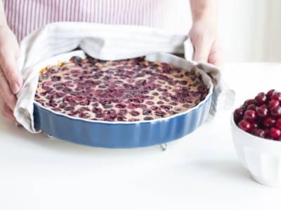 Clafoutis di ciliegie: un dolce profumato e delizioso
