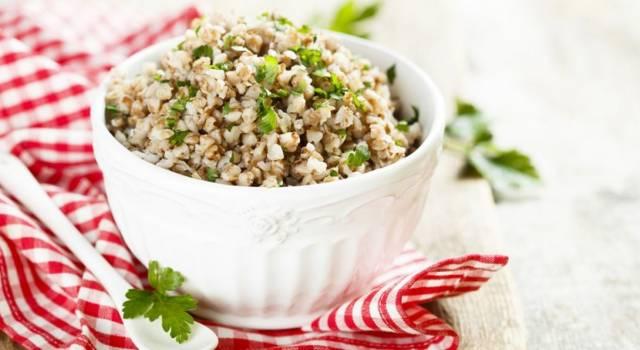 Prepariamo una fantastica insalata di grano saraceno senza glutine