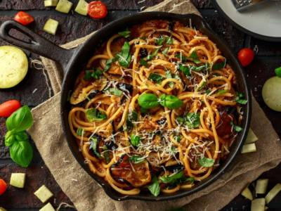 Pasta con le melanzane: un piatto semplice e profumato