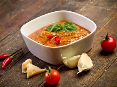 Come fare il pesto alla trapanese: un sugo cremoso e ricco di gusto!