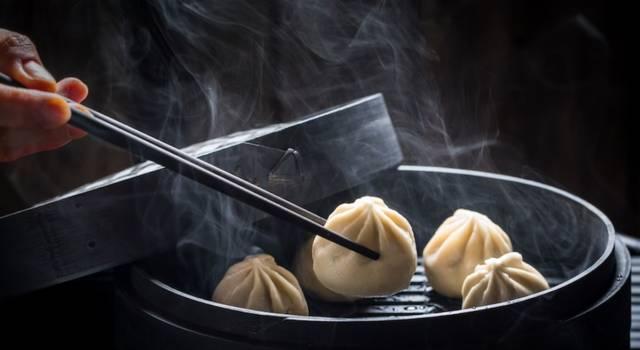 Scopriamo insieme la ricetta dei ravioli al vapore cinesi: ma quanto sono buoni?