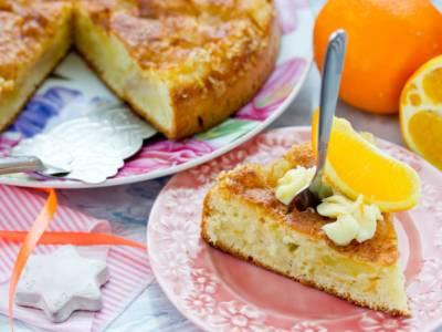 Ecco la torta all'arancia, una vera delizia al profumo di cannella!