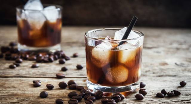 Come preparare il Black Russian, un cocktail storico