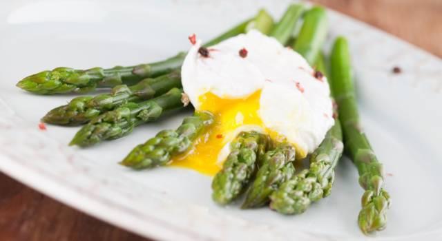 Asparagi con le uova: tutti i modi per gustare questo delizioso piatto unico