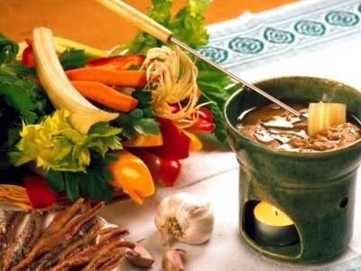 Come si fa la bagna cauda? La ricetta originale del piatto tipico piemontese