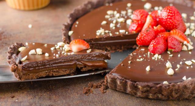 Crostata al cioccolato e fragole: un dessert golosissimo!