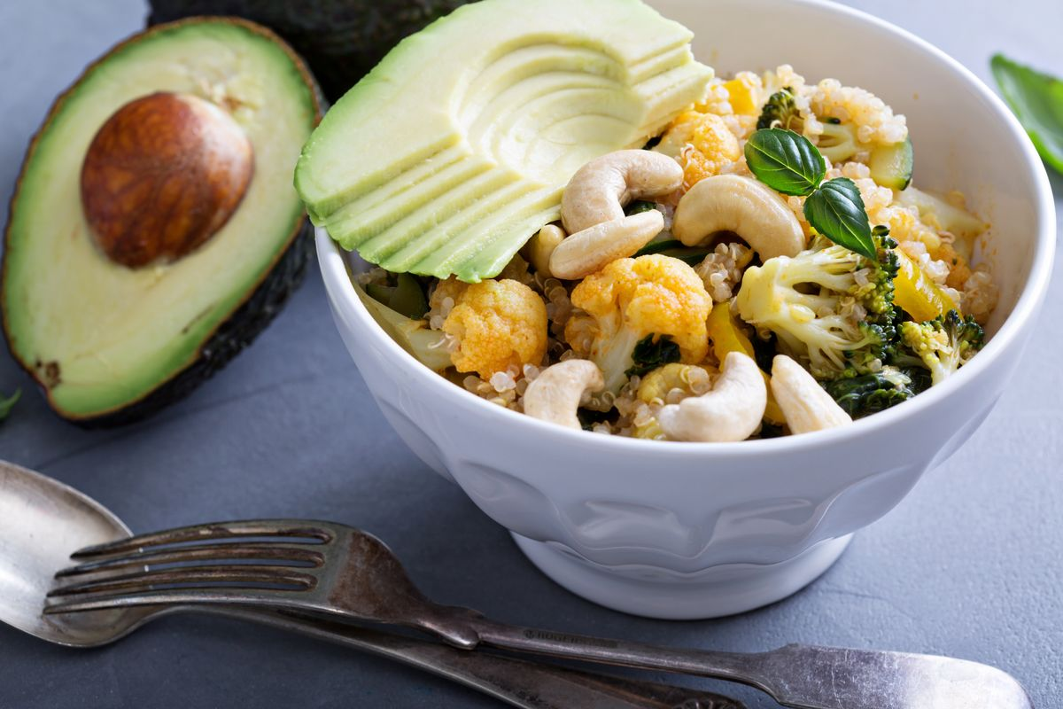 Insalata di quinoa con broccoli