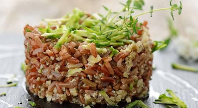 insalata di riso rosso e zucchine