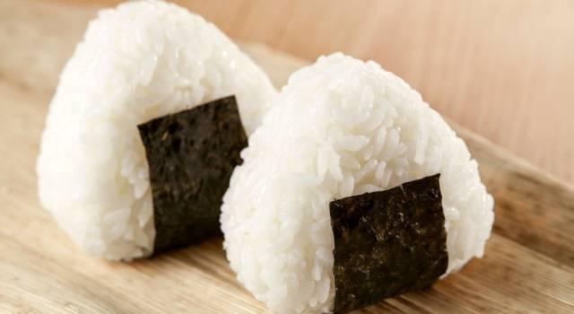 Cosa sono gli onigiri, le polpette di riso giapponesi?