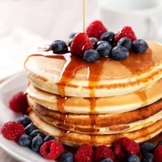 Ecco tutte le ricette per fare i pancake, i dolcetti americani tipici della colazione!