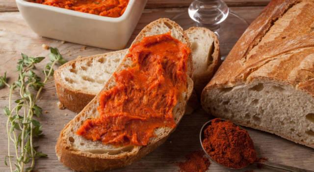 Tutto sulla 'nduja calabrese: cos'è, la ricetta e come mangiare il salume piccante più amato