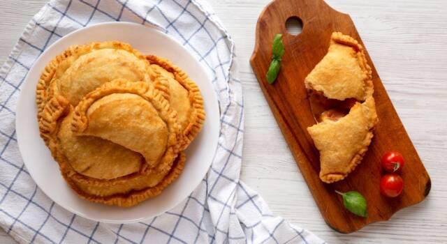 Panzerotti fritti pugliesi: ecco come prepararli con la ricetta originale