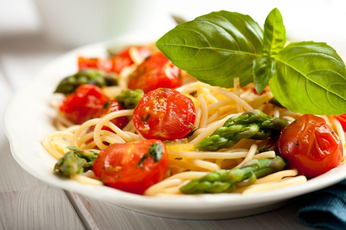 Pasta asparagi e pomodorini