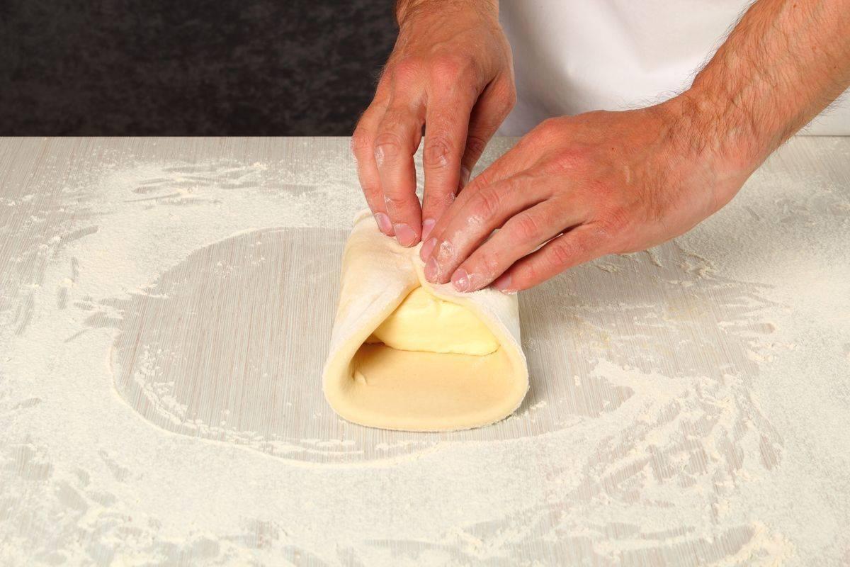 realizzazione della pasta sfoglia