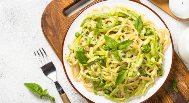 Pasta con zucchine, un primo piatto gustoso e veloce!