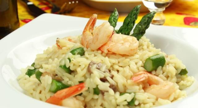 Risotto asparagi e gamberetti: un connubio delizioso per un primo piatto fantastico