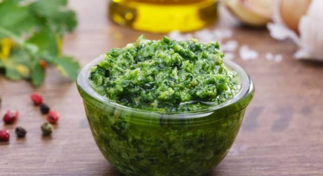Come fare la salsa verde: la ricetta della cucina piemontese