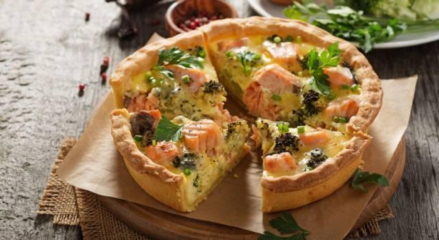 Deliziosa torta salata broccoli e salmone